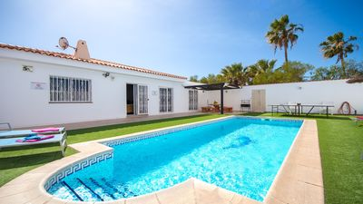 Photo for Fabulous 4 Bedroom Villa. Private Heated Pool. Callao Salvaje. Wifi.