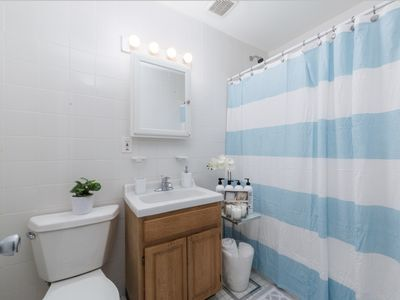 Photo for Amazing 2 BR apartment in the heart of Manhattan!