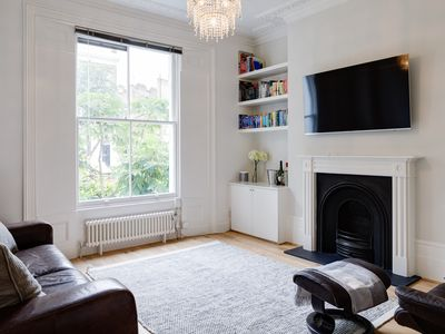 Photo for Lovely Islington Apartment - 2 Bedroom with Garden