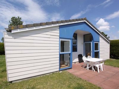 Photo for Beachpark 57 holiday chalet with privacy close to sea and beach