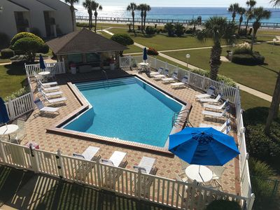 Enjoy a spectacular view of the Gulf in Blue Surf 16B.