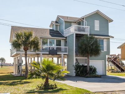 Photo for Luxurious Galveston beach house in the exclusive Pirate's Cove