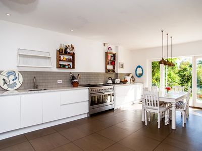 Photo for A fantastically light and airy 4 bed home very tastefully decorated (Veeve)