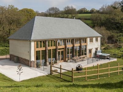 Photo for 6 bedroom accommodation in Cadeleigh, near Tiverton