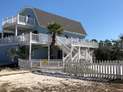 Photo for SANDY PAWS - Pet Friendly, 7mins Walk from Beach. Fenced Yd, great for families