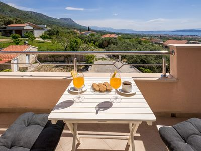 Photo for 1BR Apartment Vacation Rental in Kaštel Stari, Splitsko-dalmatinska županija