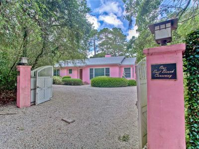 Photo for Single level home with totally fenced backyard and walking distance to the beach!