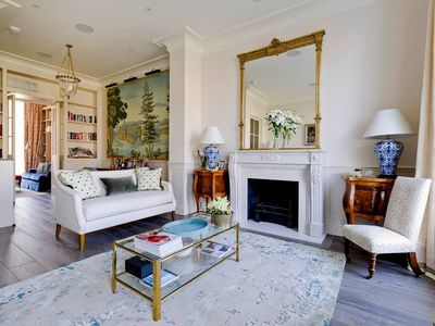Photo for Elegant & Luxurious 5 bed Townhouse in Chelsea