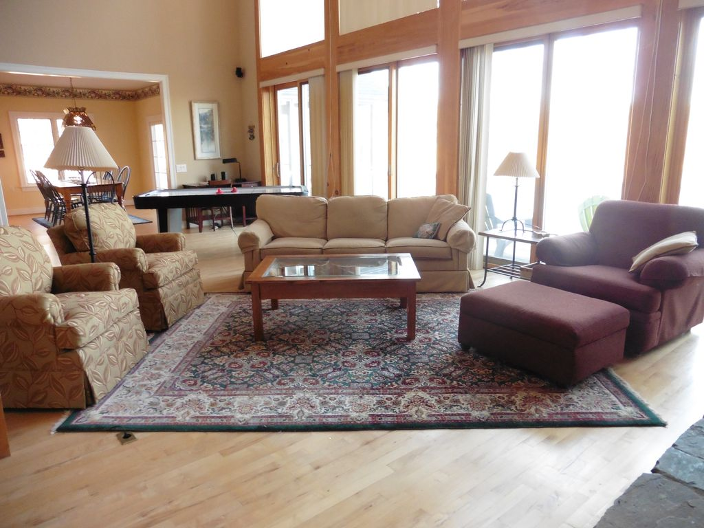 Stunning Lakefront Lodge, Custom Designed and Built with Upscale Features