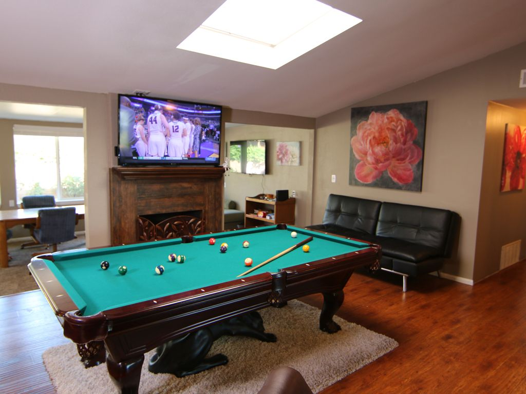 Family Gatherings Pool Table Ping Pong H VRBO - Billiards ping pong table