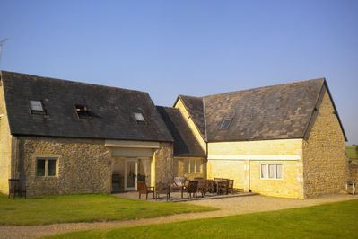 Amazing Large Converted Cotswold Barn In A Beautiful Location With Picturesque Views Cheltenham Beutiful Home Inspiration Truamahrainfo