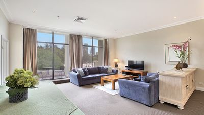 Photo for Harbour Fringe Vibrant Apartment