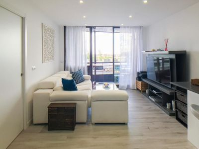 Photo for Chic 1 Bedroom Apartment with Swimming Pool in Chamartín