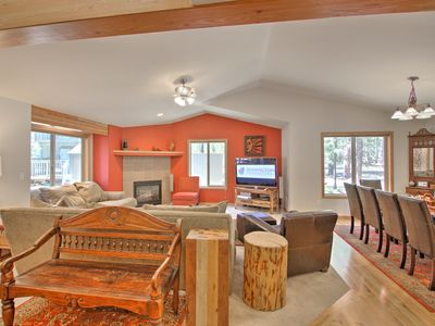 Photo for Fabulous 4+ bedroom with A/C, on the bike path, walk to the pool - JUNI18