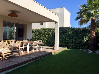 Photo for Villa air-conditioned 3 bedroom house 200 m from the beach