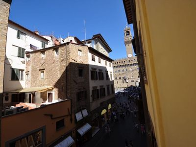 Photo for Nice apartment a few step away to pontevecchio