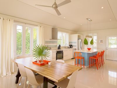 Photo for 2BR, 2BA Apt Suite: Spacious & Modern with tranquil Bay views!