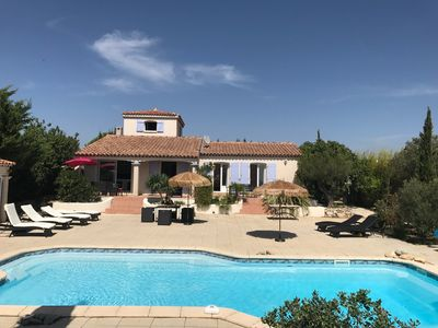 Photo for Luxury house with large pool in spacious property, 10 min from the sea