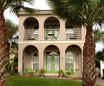 Welcome to Beach Palms Villa (formally Unwind at the Beach)  80 Terra Cotta Way