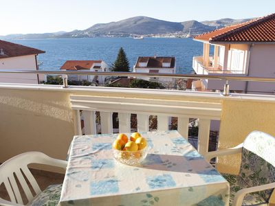 Photo for Two bedroom apartment with terrace and sea view Okrug Gornji (Čiovo)