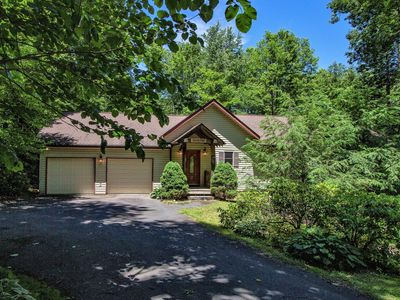 Gorgeous Mountain Home Near Sugar Mountain's Golf Course, Skiing, and all!