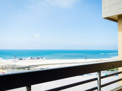 Photo for Cozy apartment located in A-ver-o-mar on the beach front line