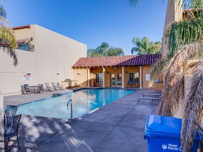 Photo for Two Bedroom Townhome in Uptown Phoenix 102