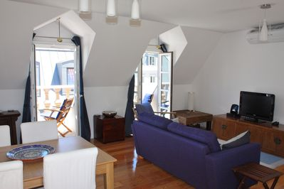 Lots of light, with one terrace and balconies in all rooms