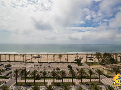 Photo for Spacious apartment 4 pax the sea front in Salou Levante Beach.