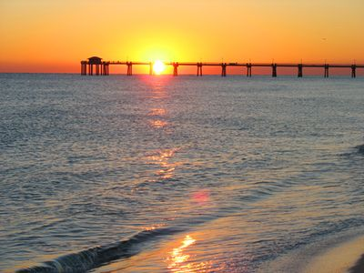 The Okaloosa Island fishing pier is w/in walking distance for some great fishing