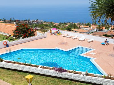 Photo for Cozy apartment in Tenerife views, pool & WiFi