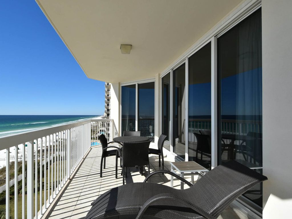Updated Beach Condo In Heart Of Destin Views From All
