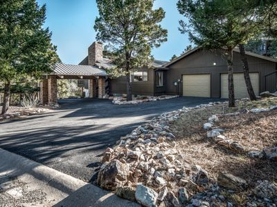 Photo for FABULOUS LARGE  4 BED/3.5 BATH HOME IN WHITE MTN ESTATES, BIG VIEW