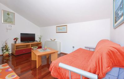 Photo for Apartment 1.4 km from the center of Podstrana with Internet, Air conditioning, Parking, Terrace (447424)