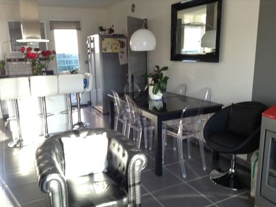 Photo for Spacious villa 200m from the beach