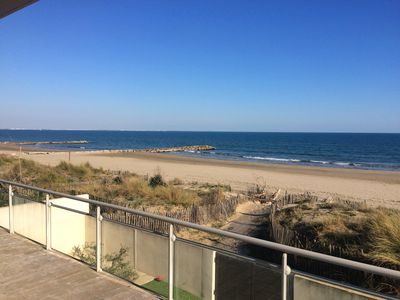 Photo for Large apartment facing the sea with swimming pool panoramic view