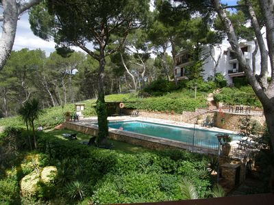 Photo for Apartment in quiet residence with pool 400m from the beach