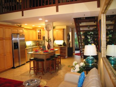 Luxury Lakeside Townhome on Turtle Bay Golf Course Near Ocean