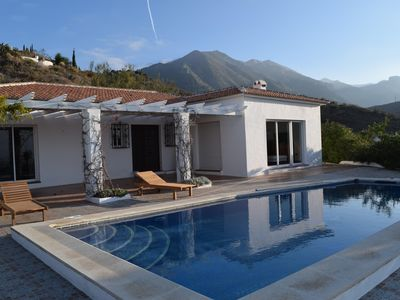 Photo for Villa (6 + 2) privacy, good access, near the S. Tejada N. P., 20 min from sea