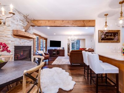 Photo for Spectacular 2 Bed/3 Bath mountain getaway, rustic chic decor, 100 yrds to Peak 9