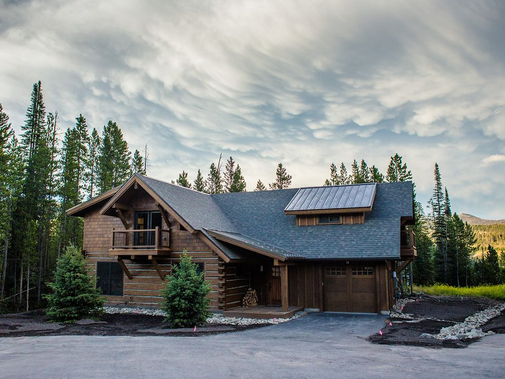 Luxury 4 bdrm home ideal for summer or winter escapes big for Luxury winter cabins