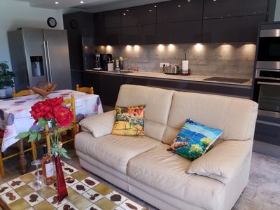 Photo for Beautiful 2 bedroom apartment fully equipped with private garage.