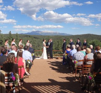 Beautiful Pikes Peak views with overnight accommodations for 40.