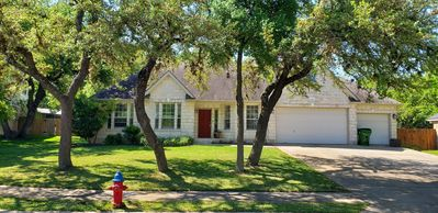 Photo for Beautiful executive home in a quiet neighborhood