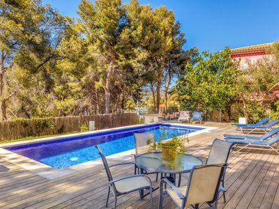 Photo for Beautiful Villa with Pool, Wi-Fi and Terrace; Ideal Location; Parking Available
