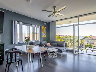 Photo for BRIGHT AND MODERN 2 BDR - CLOSE TO THE BEACH