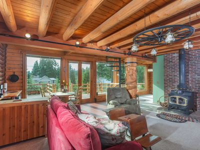 Photo for Robin's Nest-Stunning Mountain Cabin, Great Mountain Views, A/C