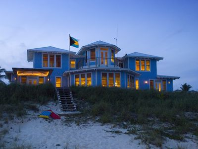 Photo for A gorgeous and spacious home, right on the beach with captivating views!
