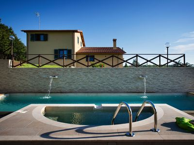 Photo for Holiday home with swimming pool on a hill near Orvieto