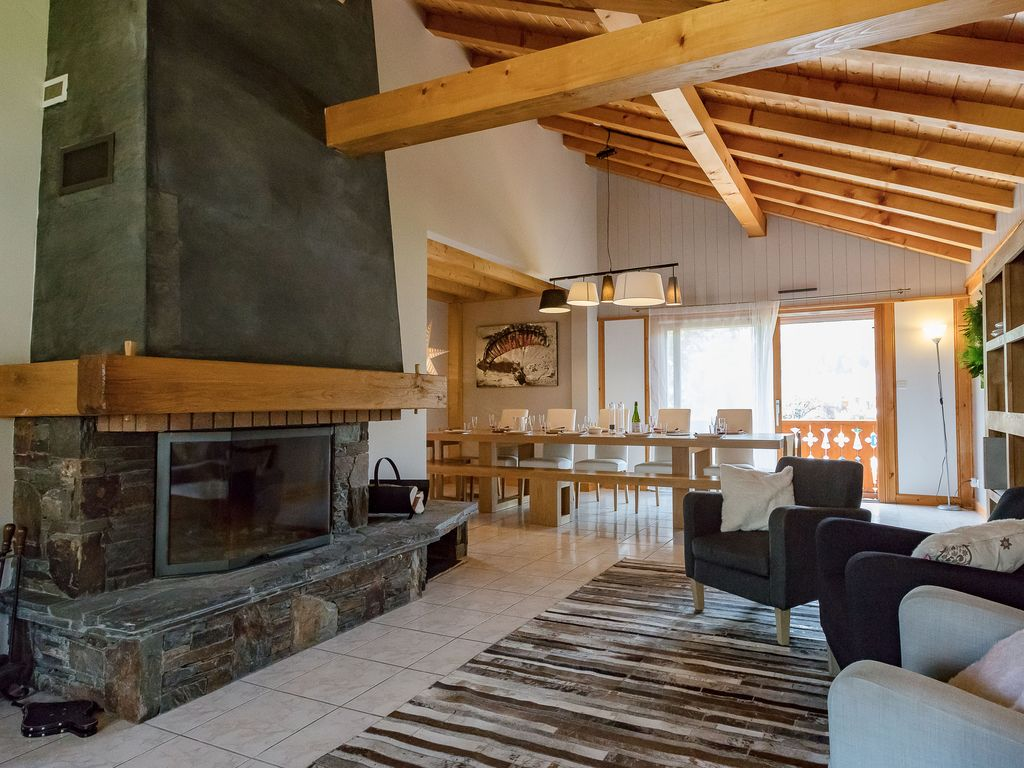 Chalet le Valentin: Chalet in the city center of Samoens with a ...